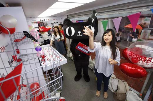天猫超市香港奇遇记:老干妈饭扫光成港人最爱
